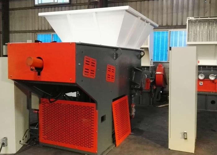 Manual Operation Small Plastic Shredder , Solid Waste Reduction Fabric Shredder Machine